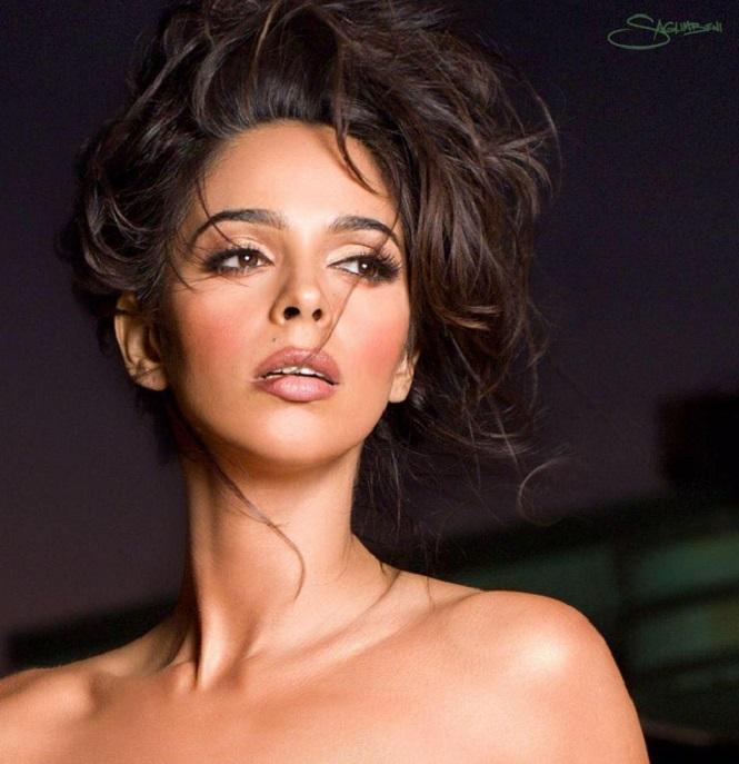 Une star de Bollywood agressée à Paris