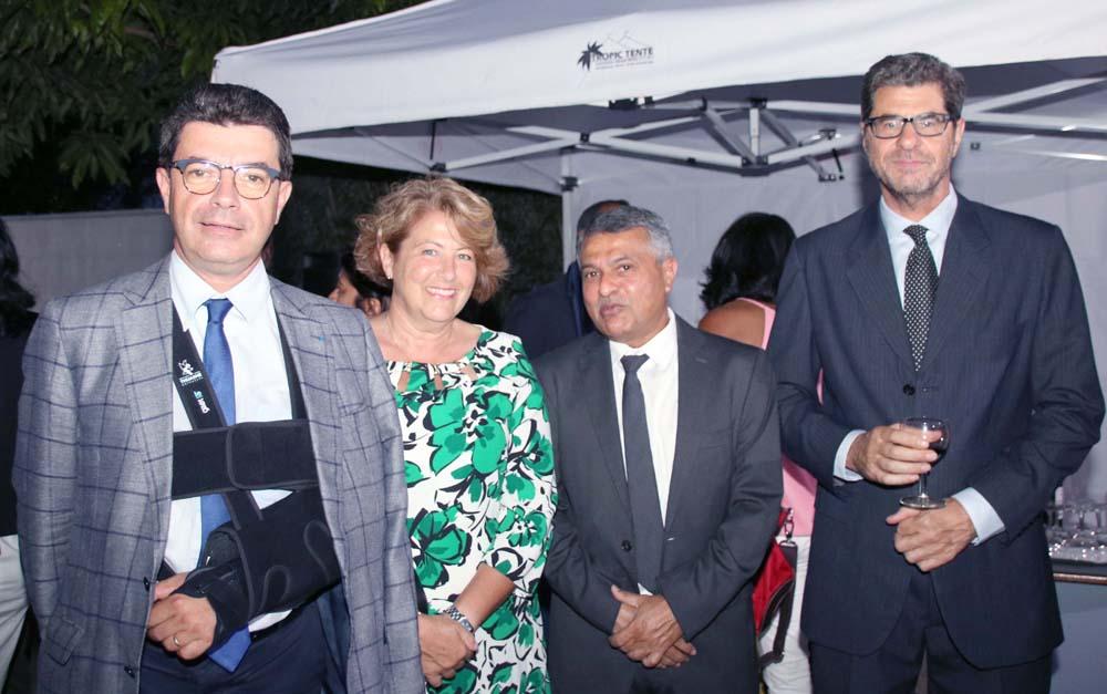 Maurice Barate et son épouse, Younous Ravate, Consul de Maurice à La Réunion, et un invité