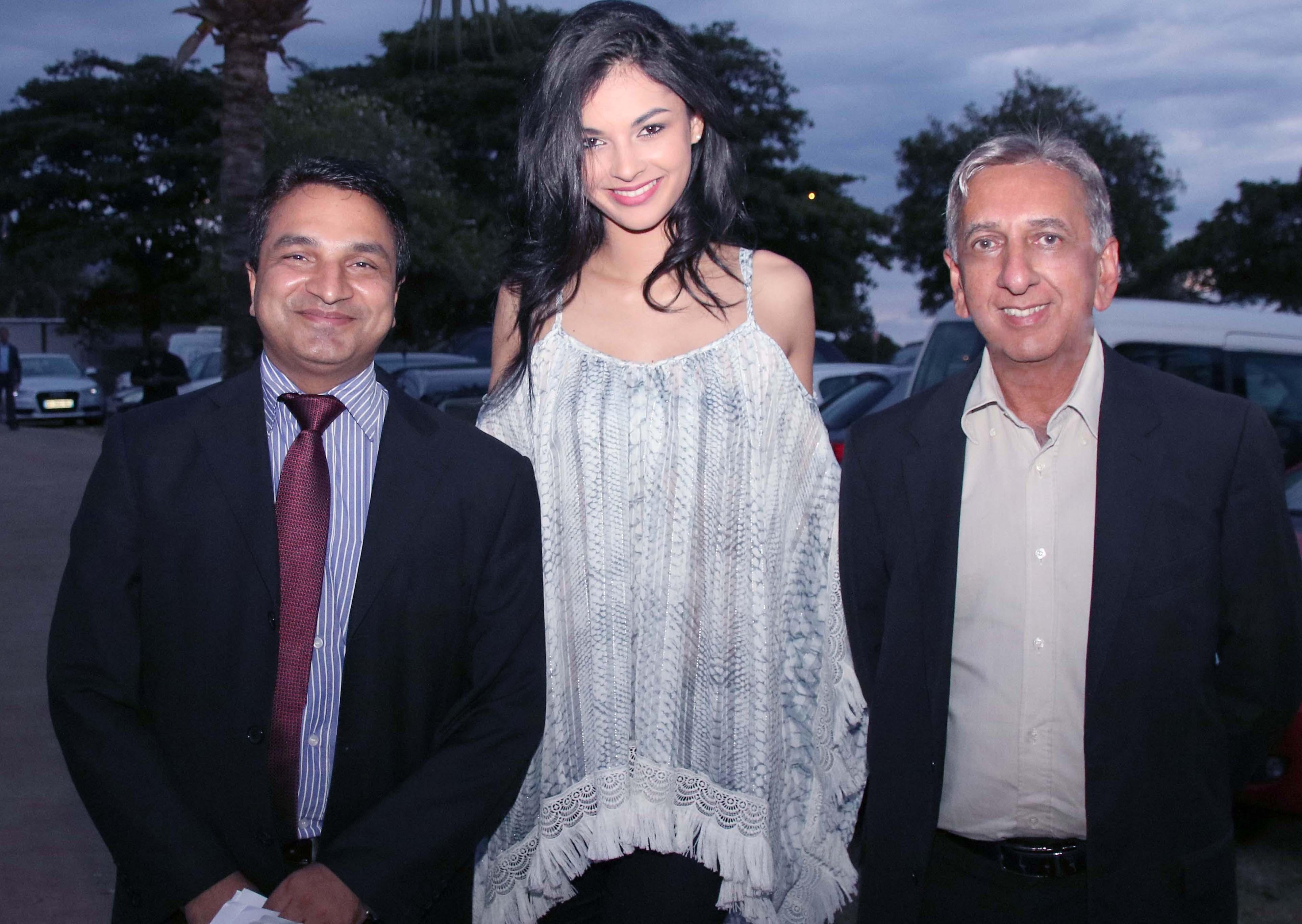 Sanjeev Kumar Bhati, Azuima Issa et Aziz Patel
