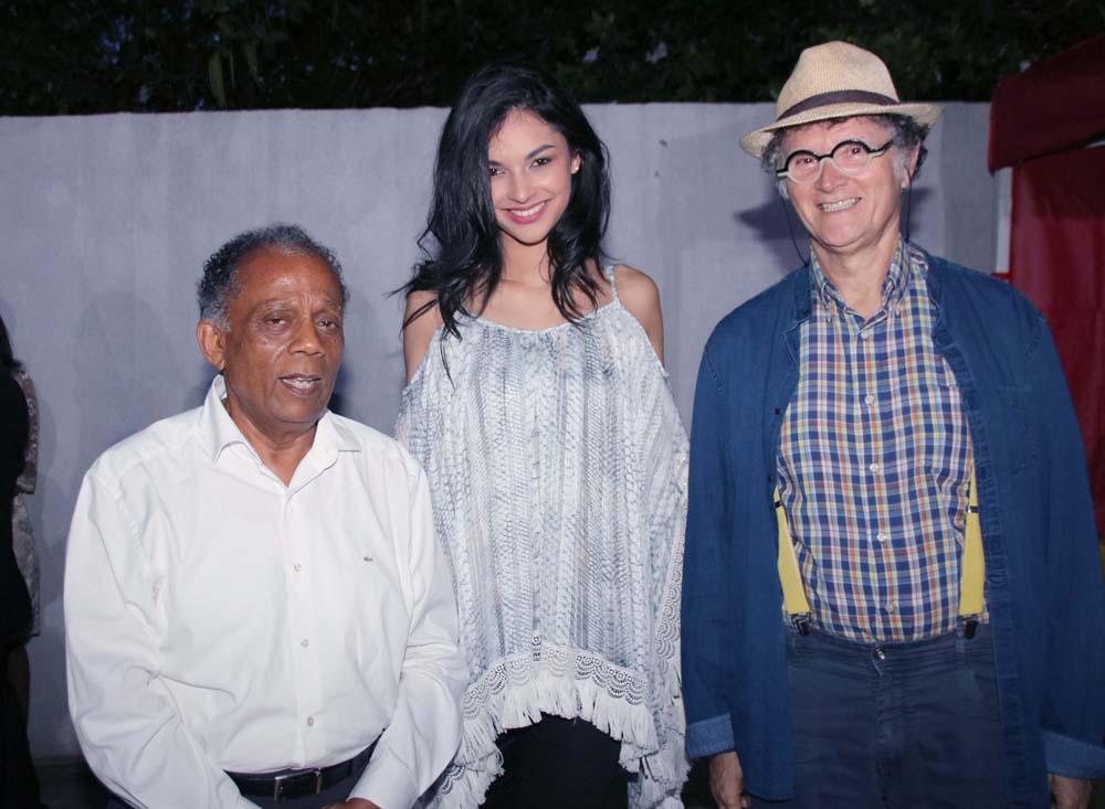 Gilbert Annette, Azuima Issa, qui est aussi citoyenne d'honneur de Saint-Denis, et René-Louis Pestel, adjoint au maire