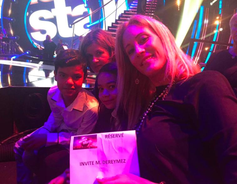 Sur le tourange de Danse avec les Stars, invités par Maxime Dereymez avec leur professeure Vanessa Cazal et leur maman