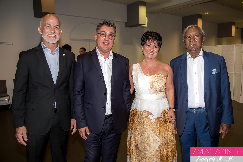 Gérald Maillot, président de la CINOR, Gilles Calascibetta et son épouse, et Jean-Paul Virapoullé, maire de Saint-André