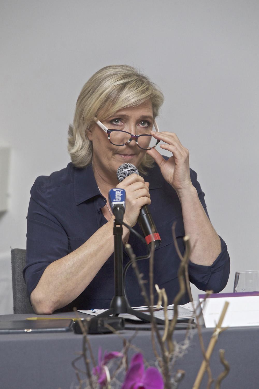 """""""L'Union Européenne est un système totalitaire, faut que ça change!"""""""