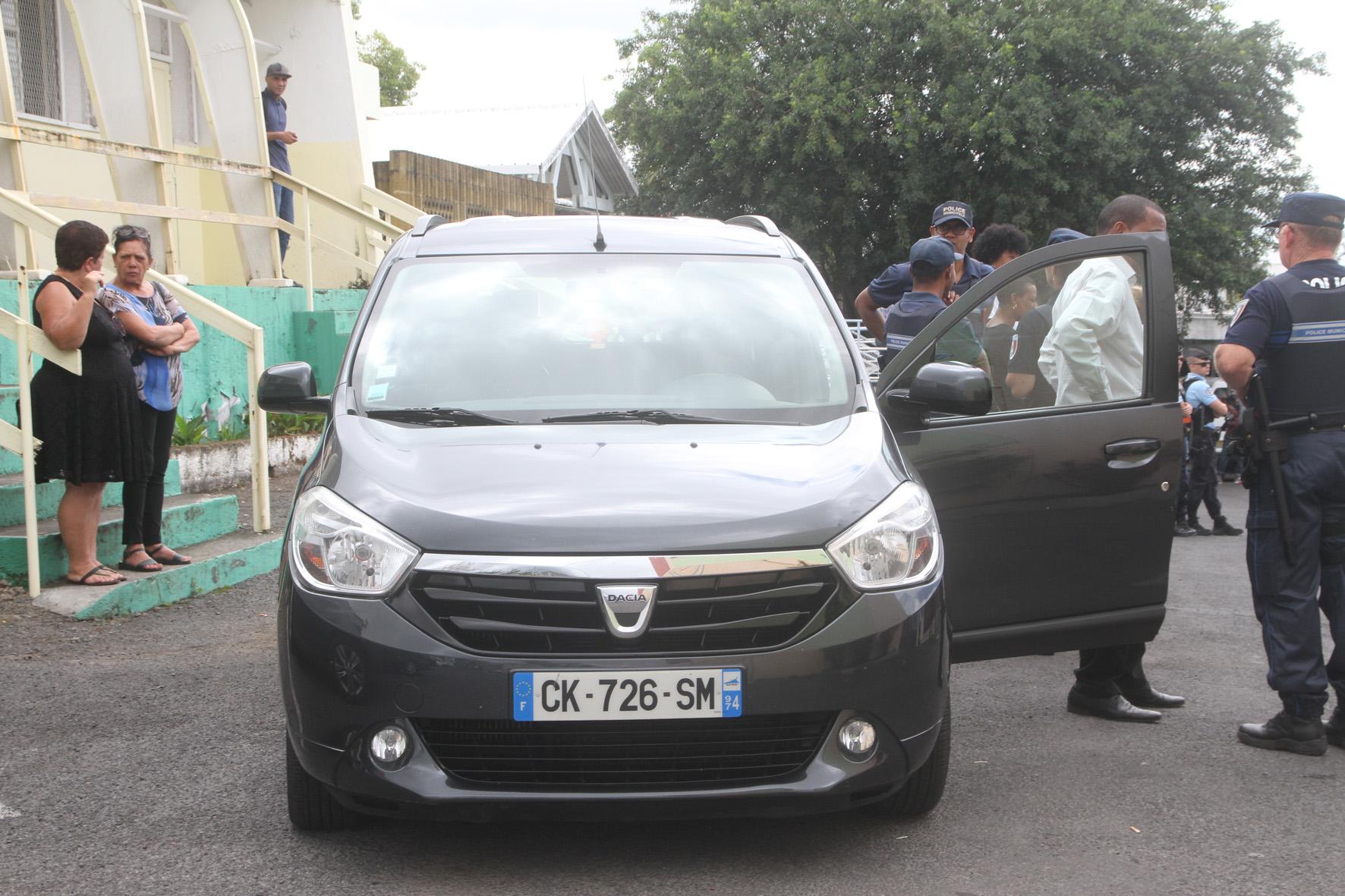 ... ou en Dacia Lodgy!