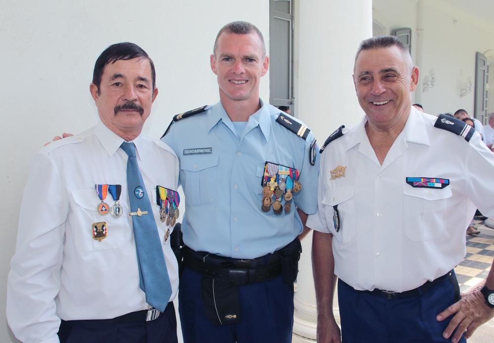 Jacques Laravine, policier à la retraite, avec ses collègues