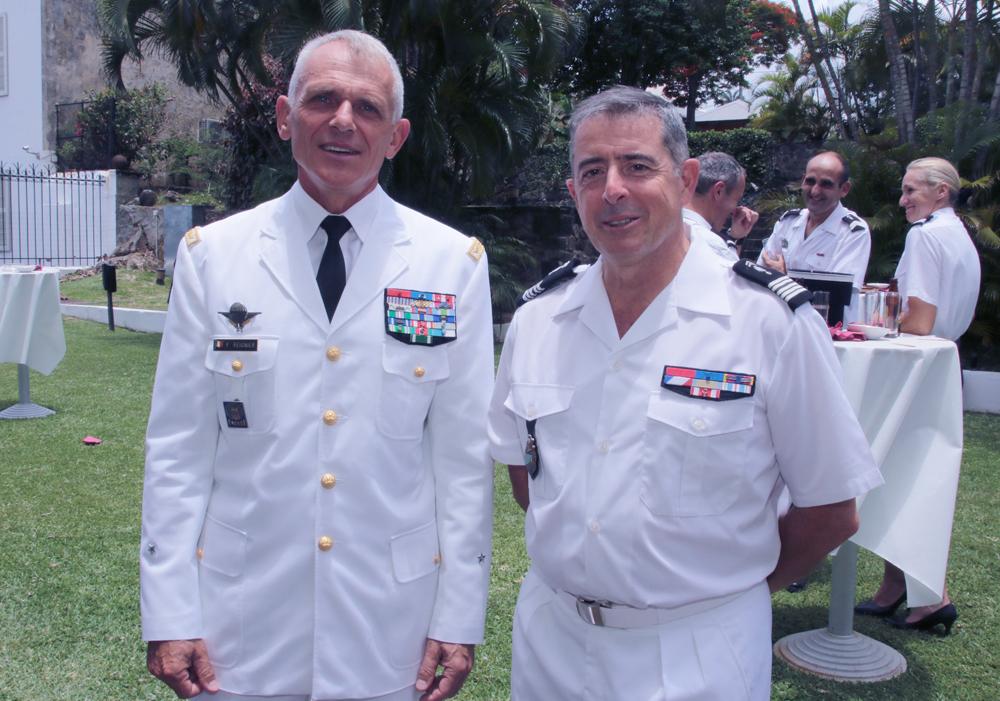 Le général Frank Régnier et le colonel Luc Auffret