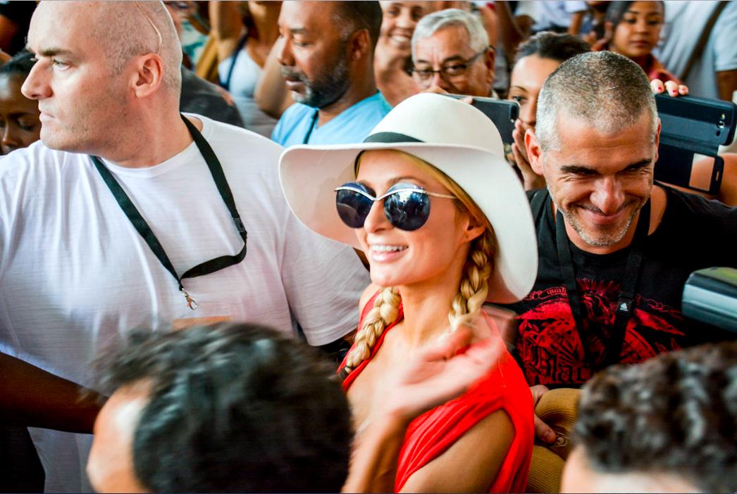 Paris Hilton: une arrivée de star à La Réunion