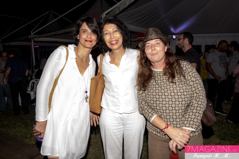 Myrella Cadet de Trace TV (au centre) et des invitées