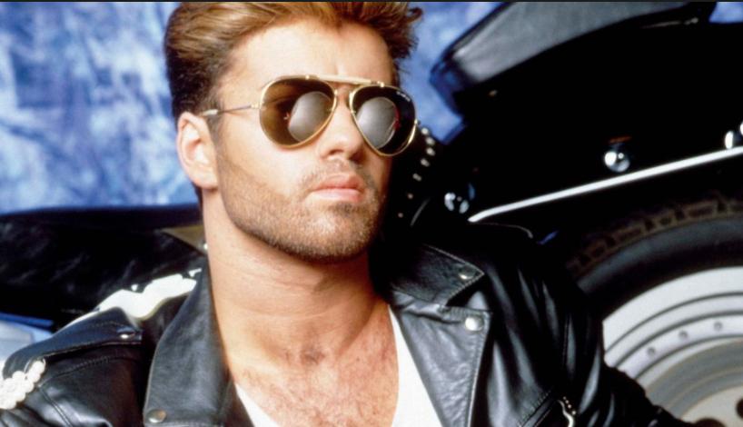 A 53 ans, la méga pop star George Michael nous quitte