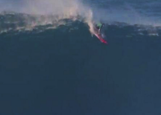 Des vagues de 10 mètres pour surfer à Nazaré