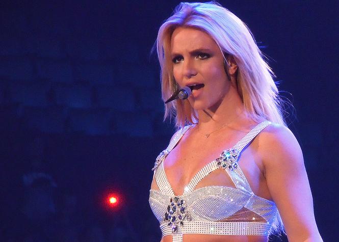 Britney Spears réagit avec humour à l'annonce de sa mort