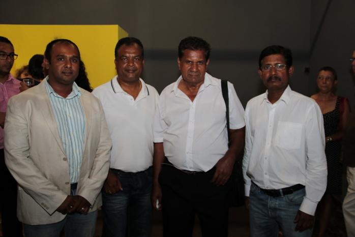 L'équipe de Tamjsamgam: Satyam Veeraraghoven, Soubadu, Valiamé et Soumesh