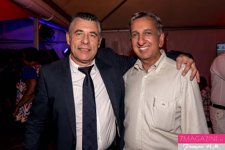 Michel Anselme, directeur de la Relation client SHLMR, et Aziz Patel