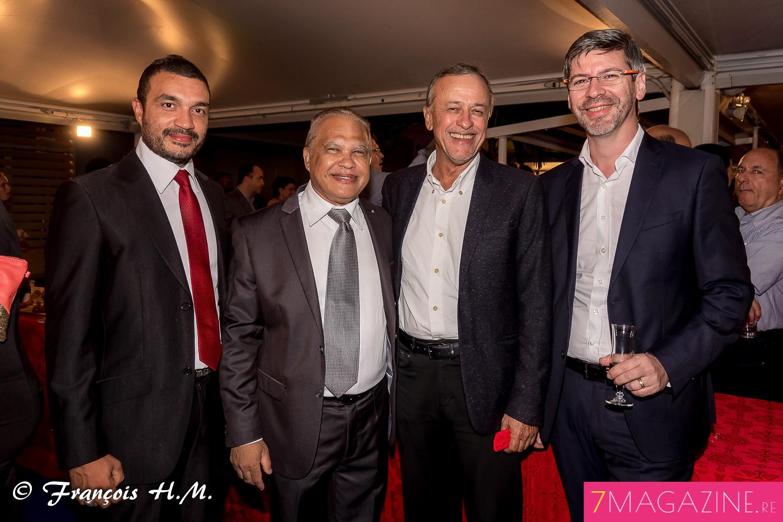 Yves Ferrière, adjoint au maire de Sainte-Marie, avec son fils (à gauche), Mario Lechat, et Laurent Schwartz