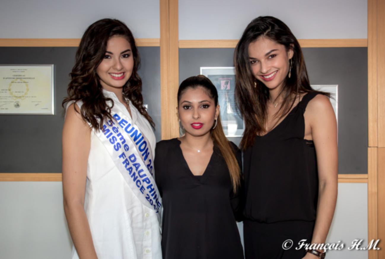Hana Badat entre deux beautés métissées: Ambre N'guyen, Miss Réunion 2016 et 5ème dauphine Miss France 2017, et Azuima Issa, Miss Réunion 2015 et 4ème dauphine Miss France 2016