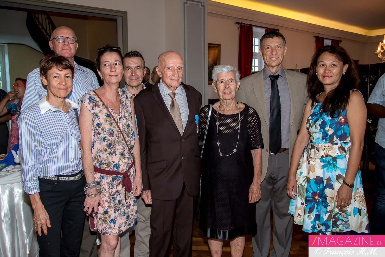 Photo de famille: Colette et Pierre-Yves Versini, Alexandra Versini et Philippe Barbier, Paul et Maryvonne Versini, Dominique et Sonia Versini