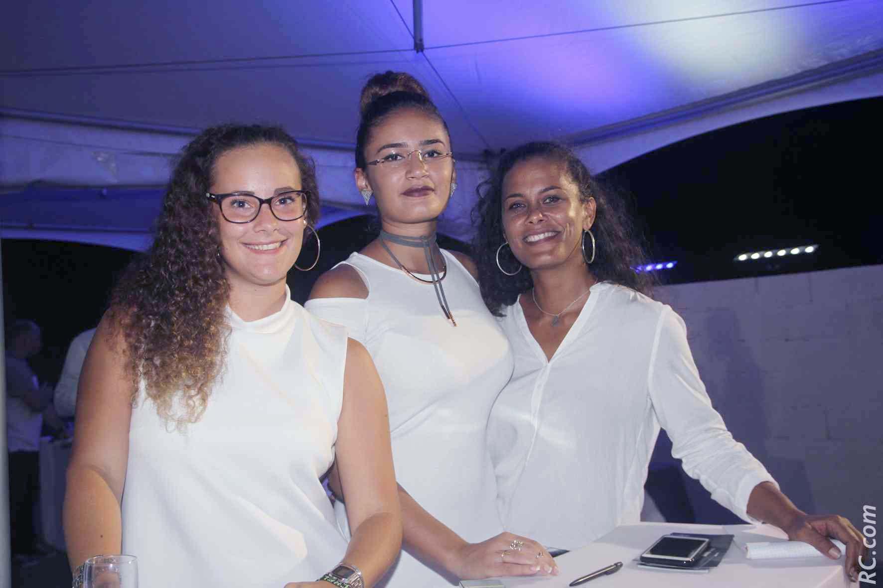 Les hôtesses Chapiteaux des Iles