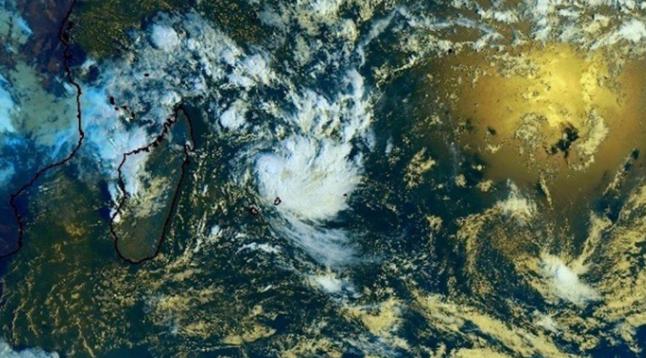 Carlos pourrait devenir un cyclone: Les prévisions