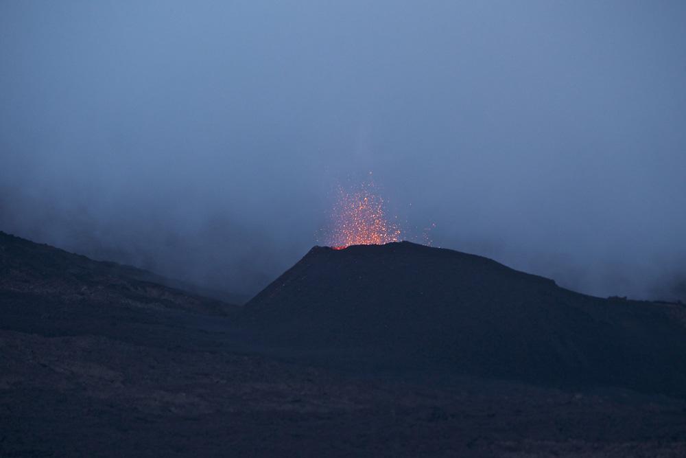 Les images du volcan de ce lundi