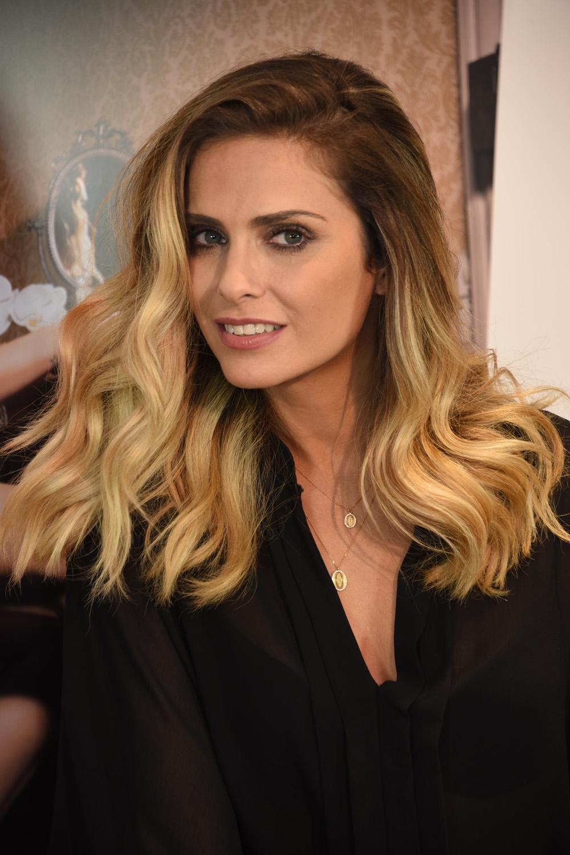 En 2012, le Nouvel Observateur l'avait classée 7ème de son classement des femmes les plus sexy de la planète! Clara Morgane est encore plus sexy...