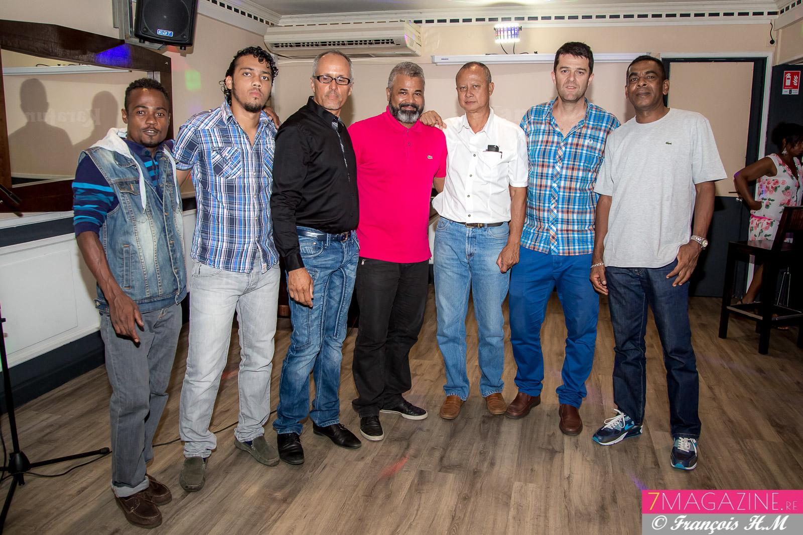 Pascal Honorine, joueur, Didier Himbert, secrétaire, Patrick Grondin, Freddy Latchoumaya, Jacky Chan Alune, Lionel Roux Lionel, et Gérard Latchimy, dirigeant