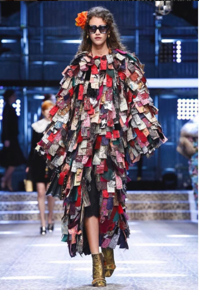 Pauline Hoarau au Top à Milan en Dolce & Gabbana