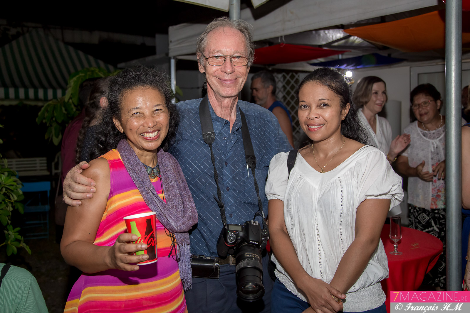 Alice et Joël Pélerin, et Mahefa Randdrianaivo, coordonnatrice de la Case à lire de l'AMAFAR