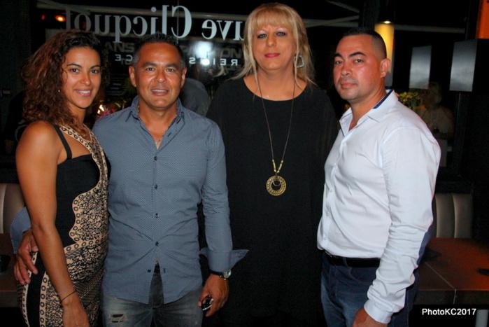 Sophie et Fabrice Law-pang avec Vanessa et Jovanni Boyer