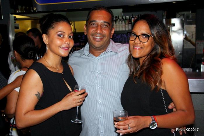 Jf Bovalo entouré d'Audrey Tailama et Chrystelle Banon