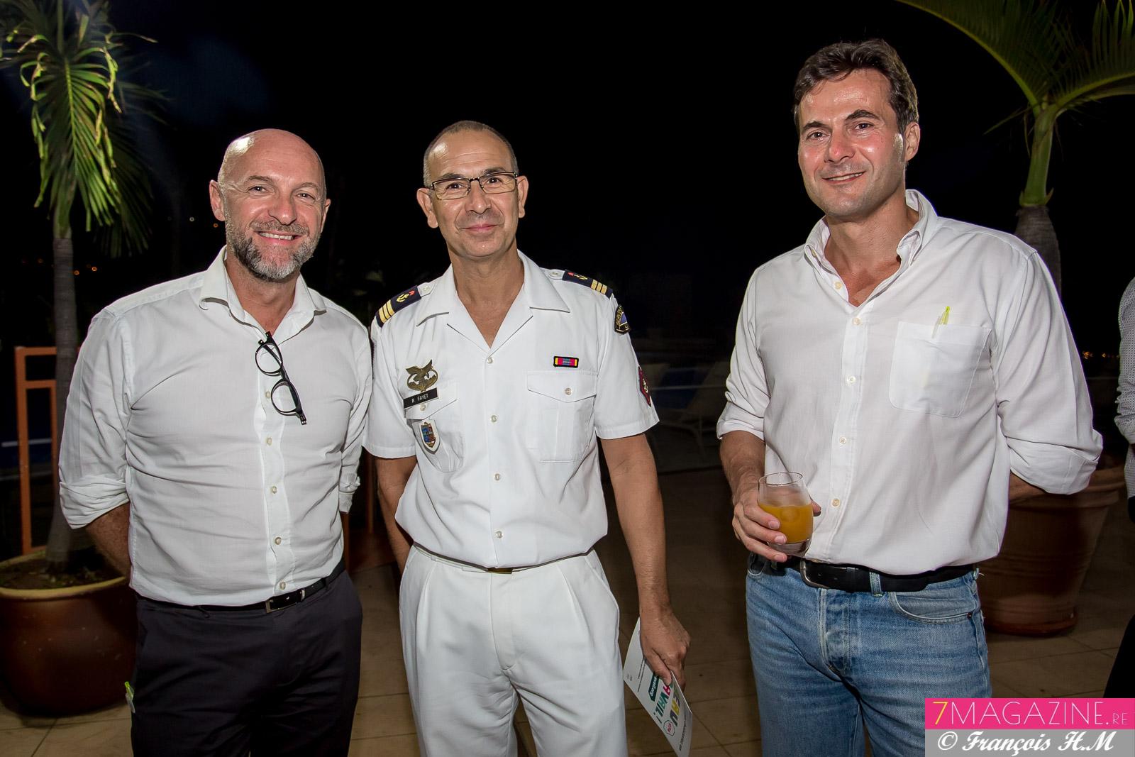 Dominique Roussel, Colonel Fayet, et un invité