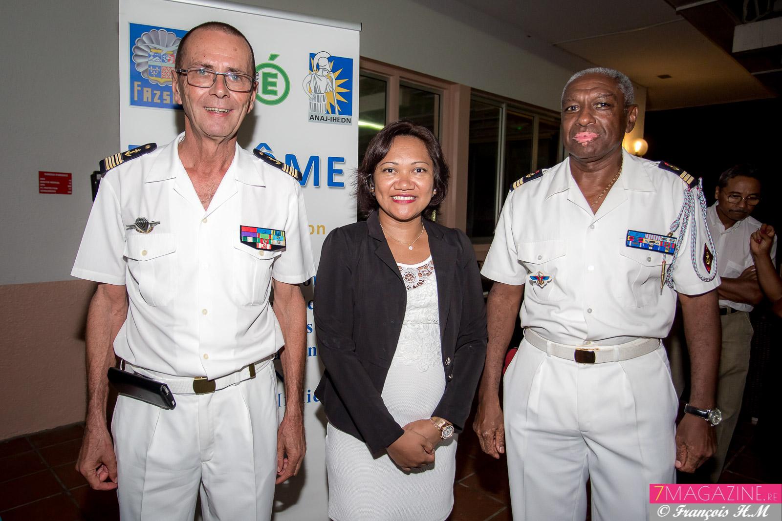 Bernard Salva, Mialy Andrianaivo, et commandant Jean-Michel Gardoque, réserviste opérationnel au 2ème RPIMa