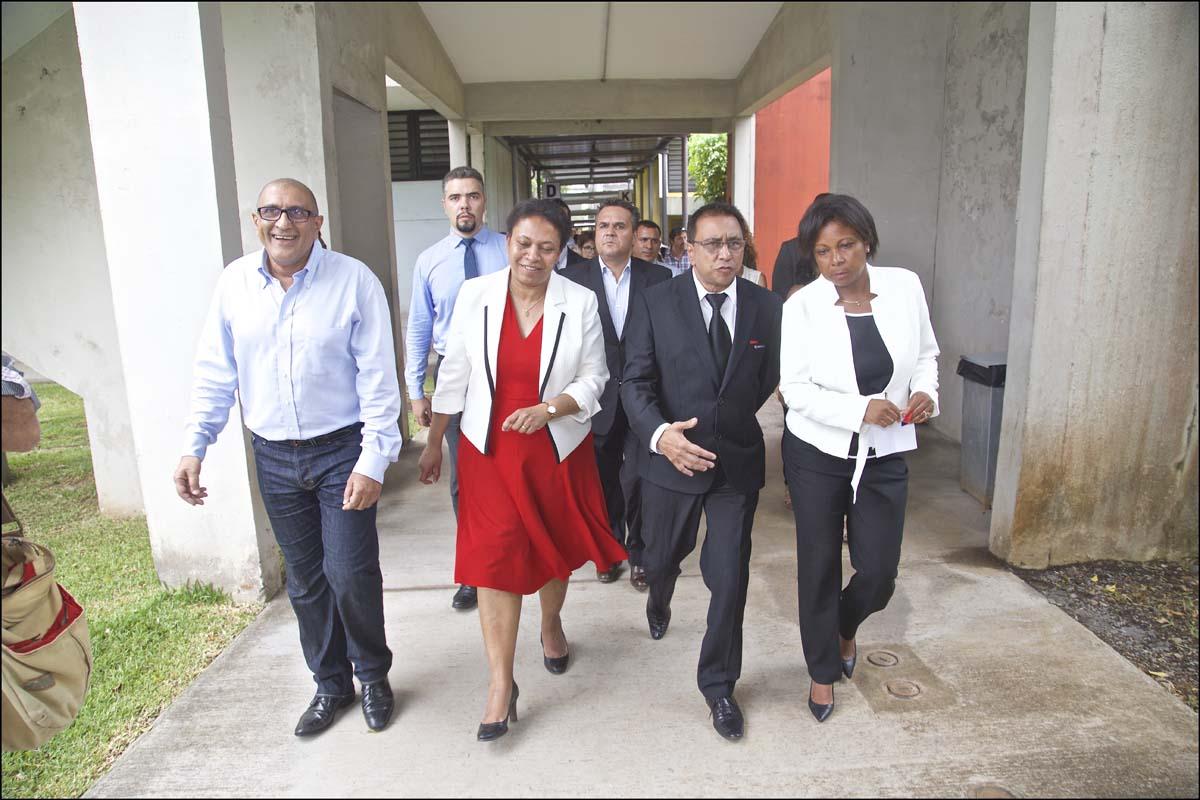 La Secrétaire d'Etat Hélène Geoffroy a visité les locaux