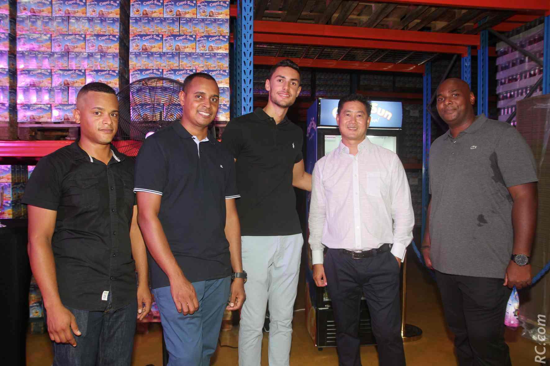 L'équipe commerciael de Grand Sud Productions avec un client export