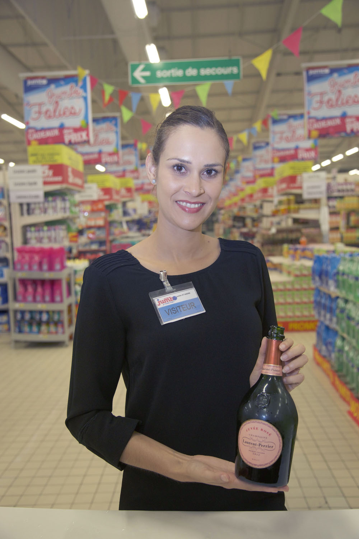 Elodie, animatrice pour Laurent Perrier
