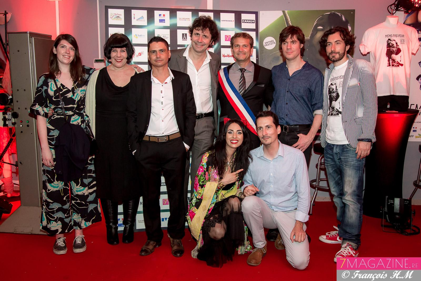 Aurélia Mengin, Olivier Rivière et son directeur de cabinet Yoni Posé, entourés des invités de la 7ème édition de Même Pas Peur