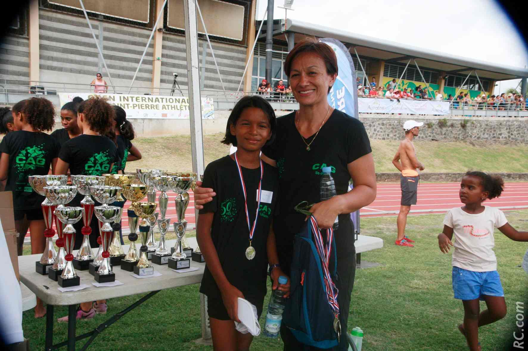 Maman Nicole et sa protégée de fille, sous les couleurs du CAG