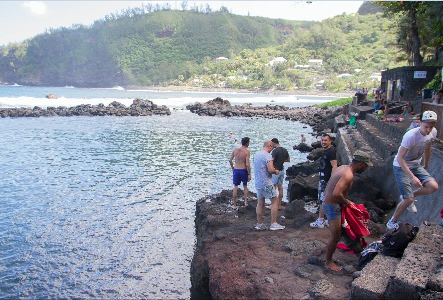 Cauet découvre les merveilles de La Réunion