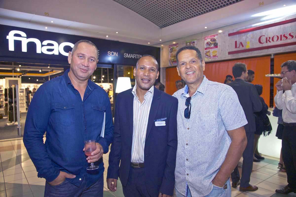 Teddy Adeler entouré de Didier Vidot, et André Demery