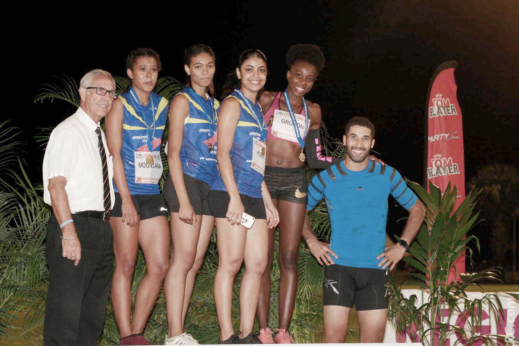 Les bravos du maire Jean-Claude Lacouture et du sauteur Salim Sdiri aux filles de l'Entente du Nord sur le relais