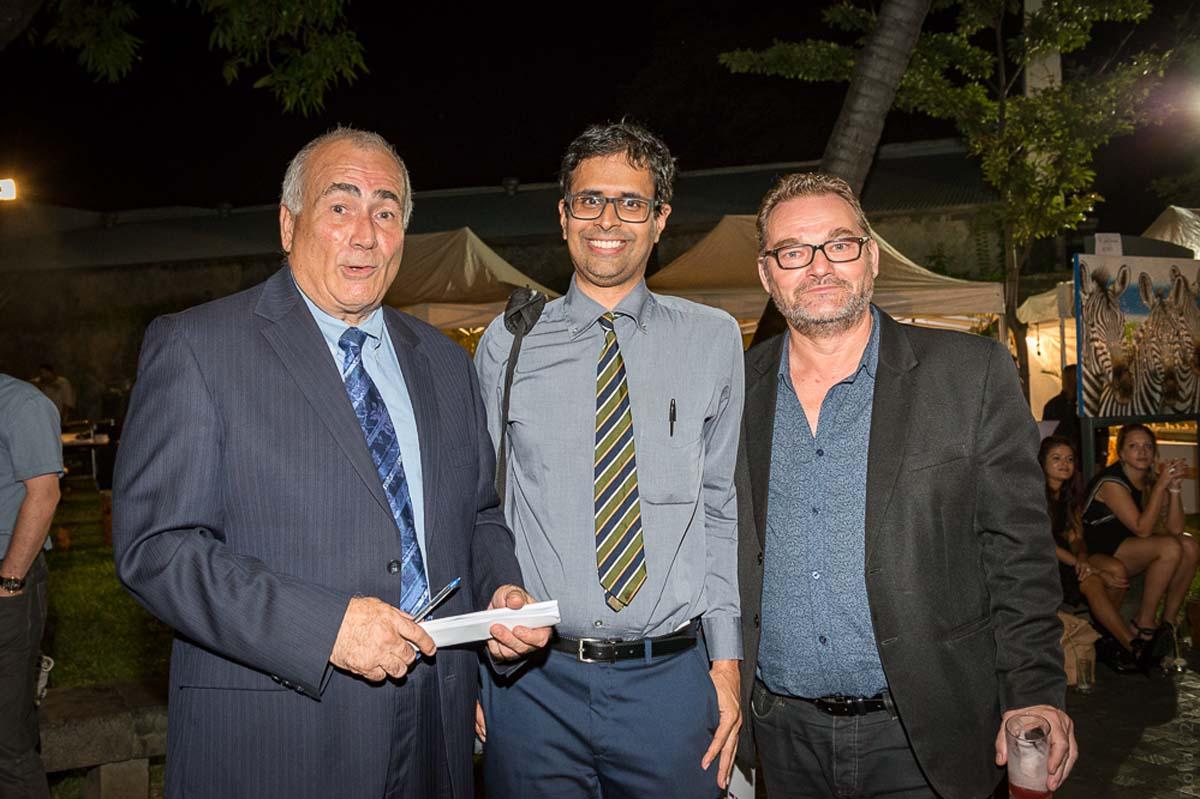 Pasqual Porcel, directeur de l'IUP Tourisme, Olivier Sébastien, vice-président de l'Université de La Réunion, et Pascal Goyard, président de l'UMIH