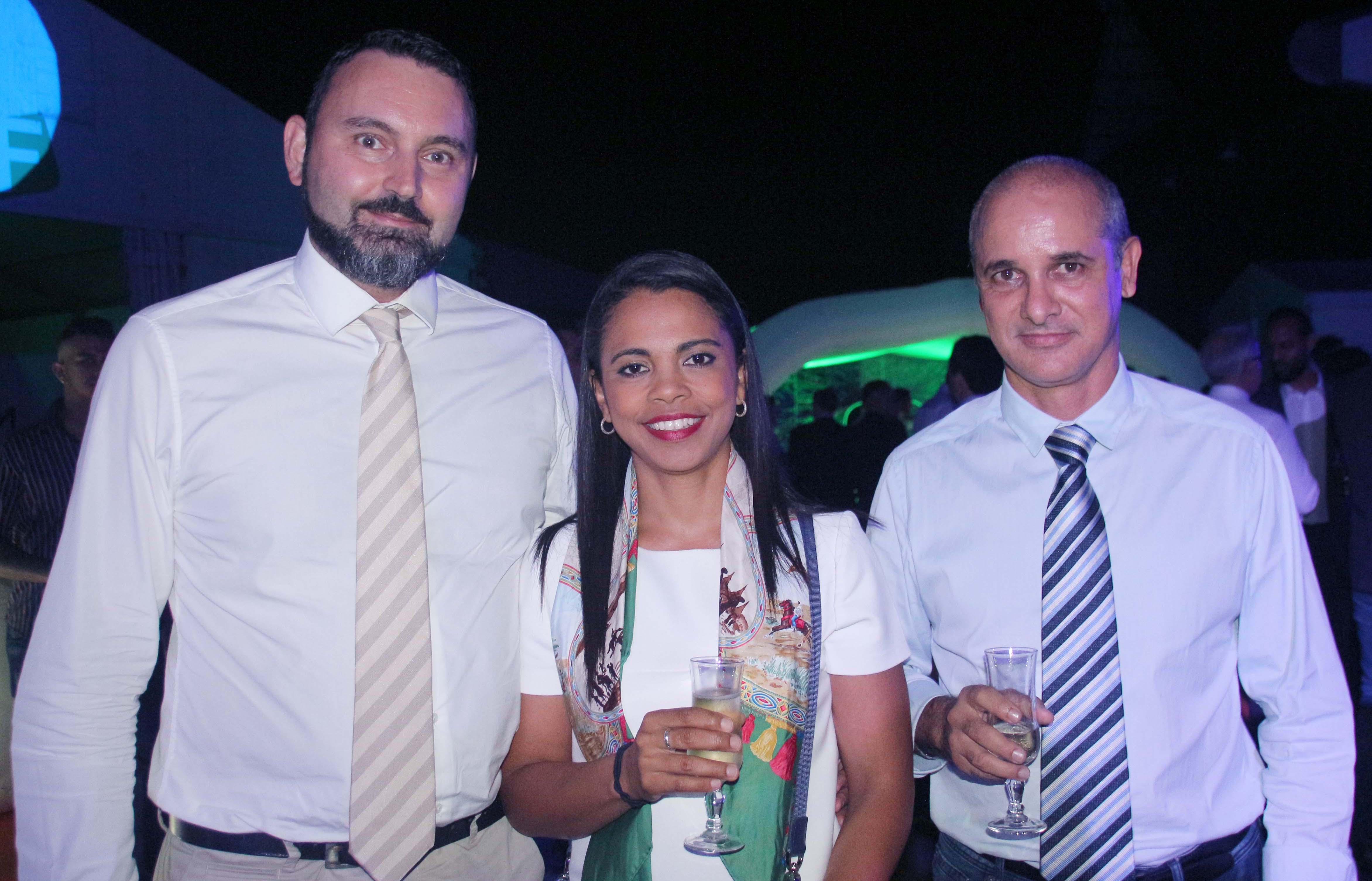 Stéphanie Quénot, présidente Arnemuse, son époux, et Henri Castillon, responsable Institutionnel de Groupama
