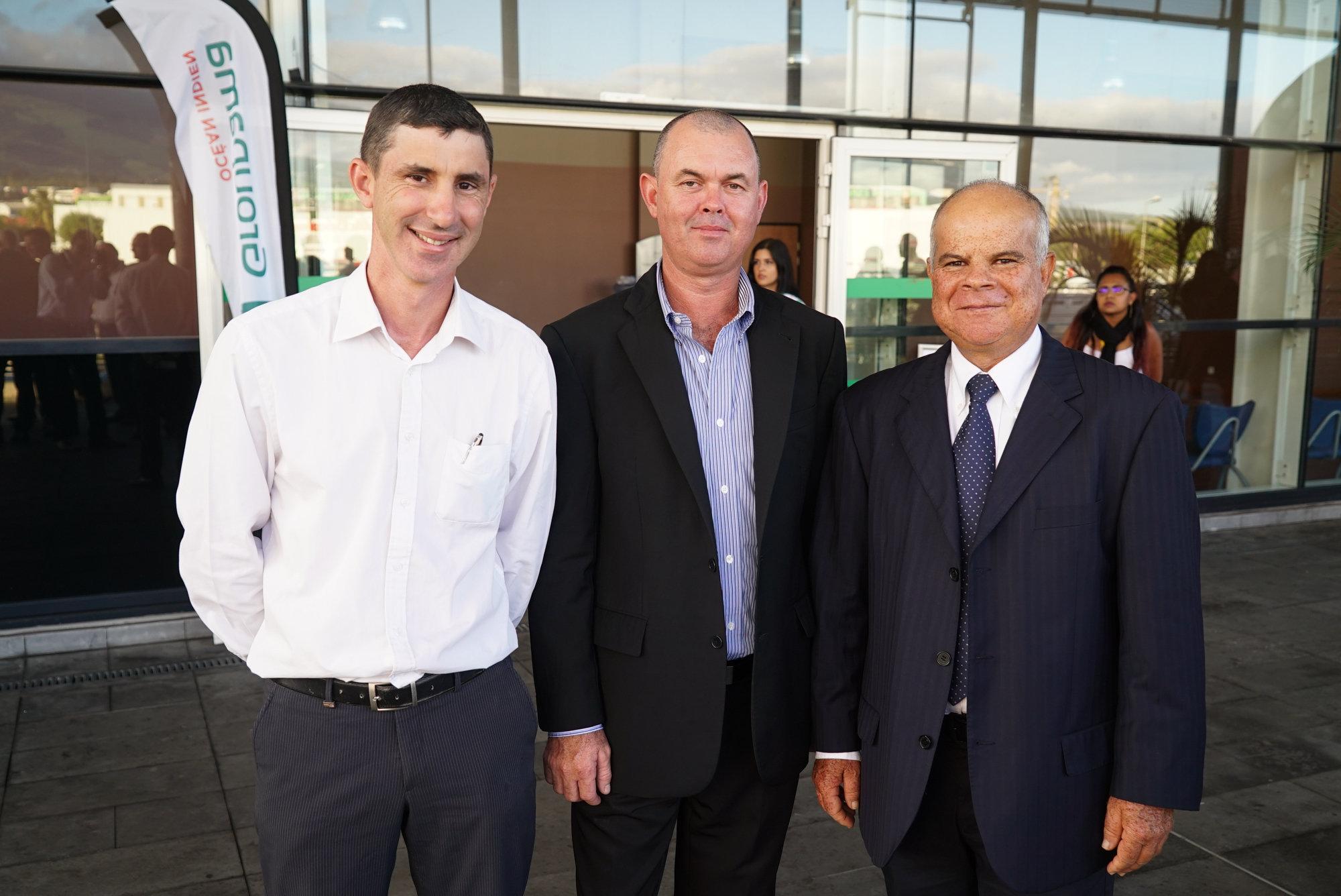 Jérôme Gonthier, président URCOOPA et président de Groupama Petite Ile, Eric Payet, vice-président de Groupama Saint-Pierre, et Jean-Bernard Grondin, président de Groupama Le Port