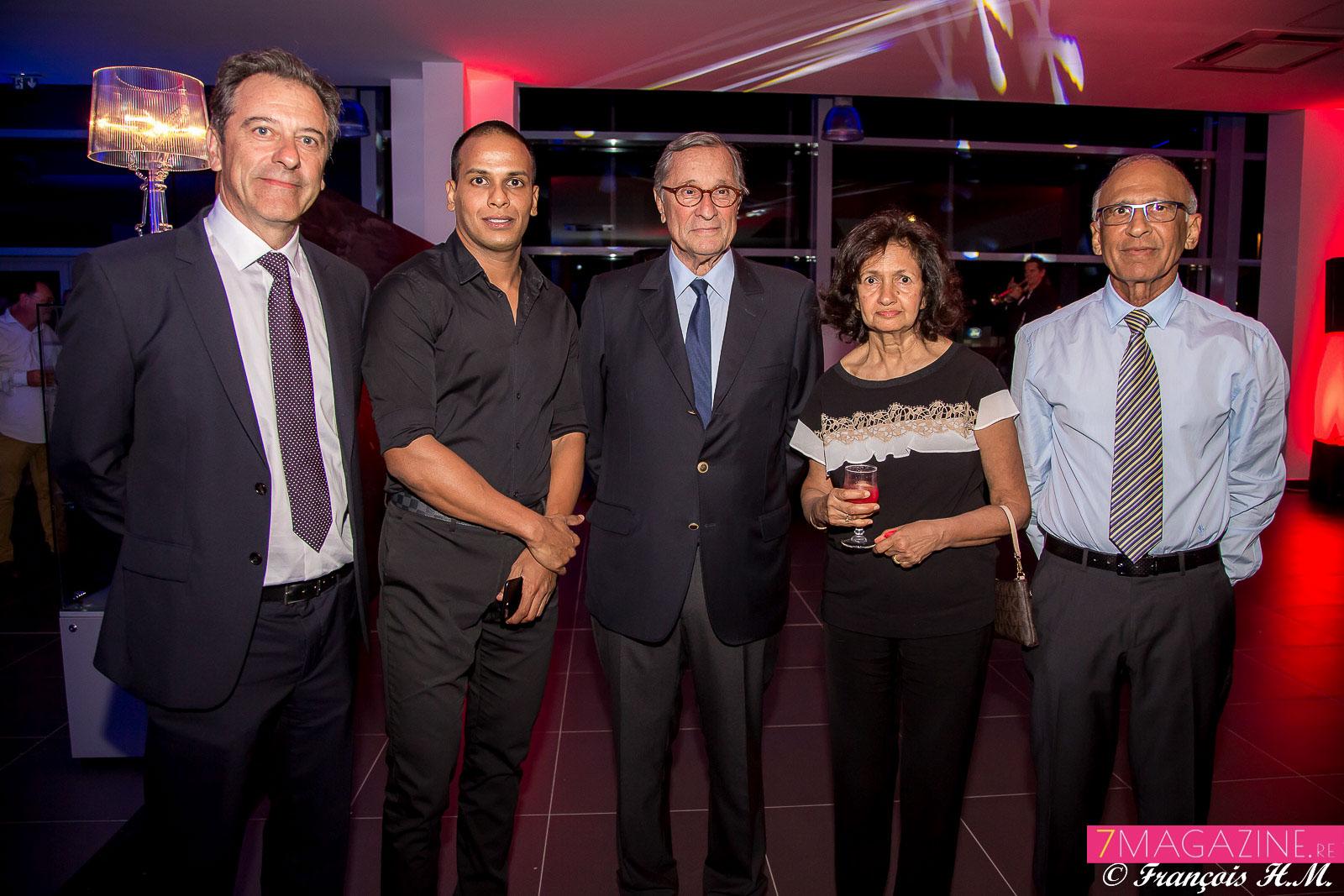 Michel Lapeyre, directeur général GBH Océan Indien, Hassen Cadjee, Bernard Hayot, Rabia Karodia, et Abdoul Cadjee