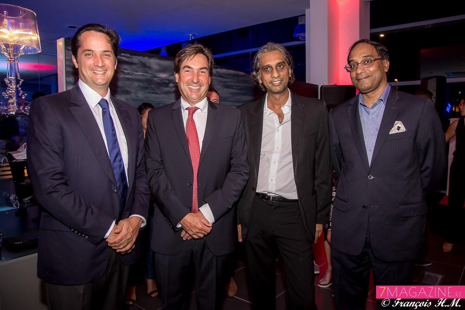 Rodolphe Hayot, Amaury de Lavigne, directeur général de Carrefour Réunion, Riaz Locate, directeur du Groupe Locate, et Gérard Canabady, propriétaire terrien