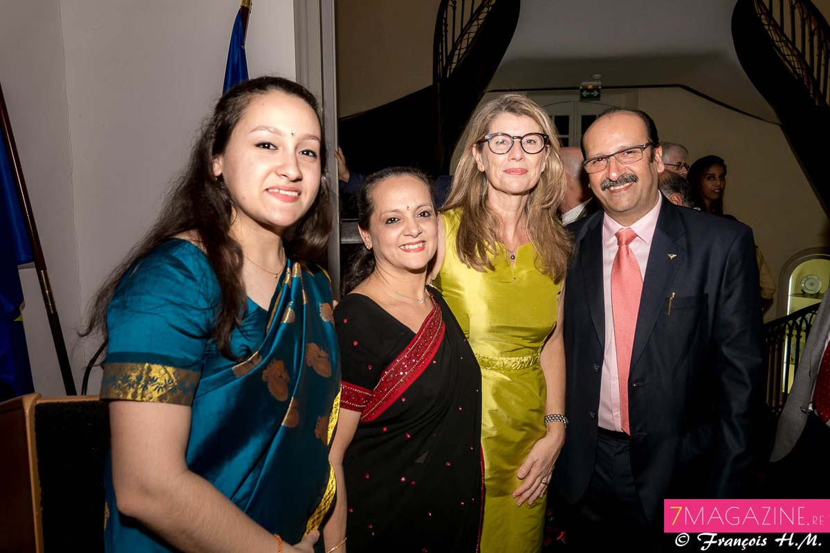 Pouja et Radika Kalidas, Frédérique Sorain, et Krishna Kalidas