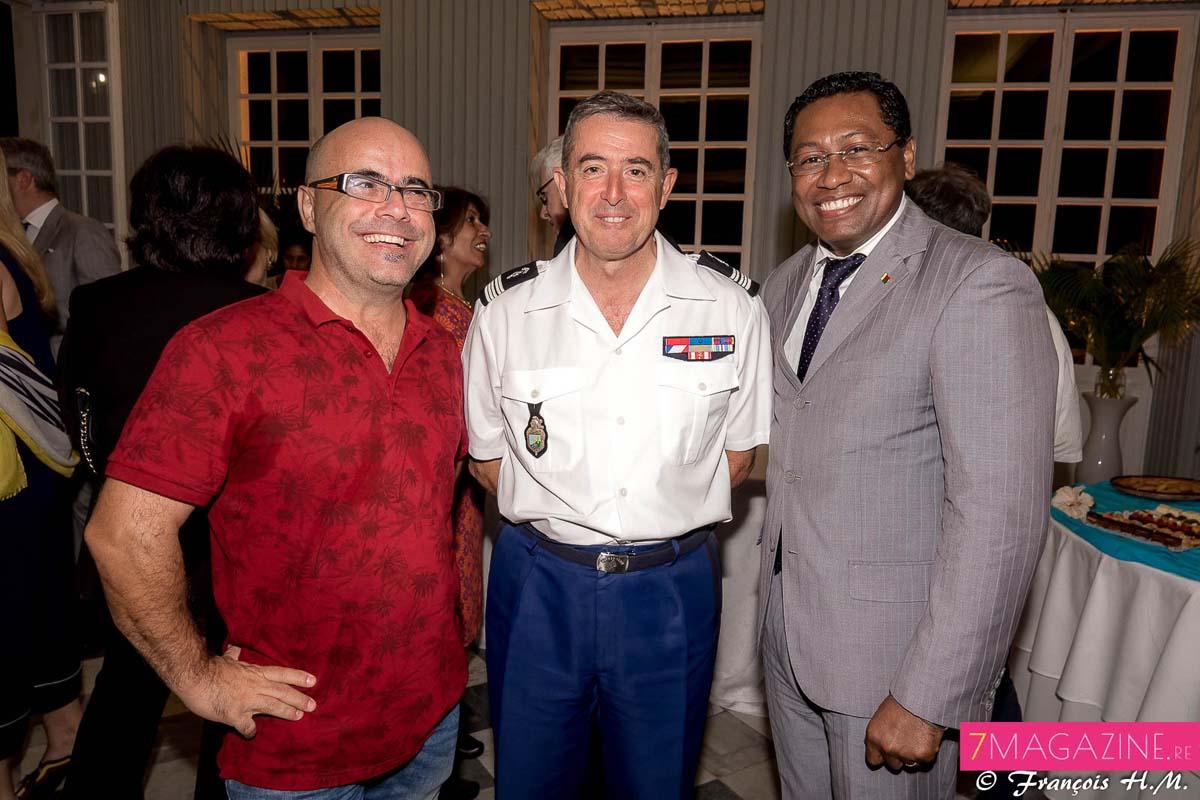 David Léon Gimenez, vice-consul honoraire d'Espagne à La Réunion, Luc Auffret, commandant de la Gendarmerie à La Réunion, et Virapin Ramamojisoa, Consul général de Madagascar à La Réunion