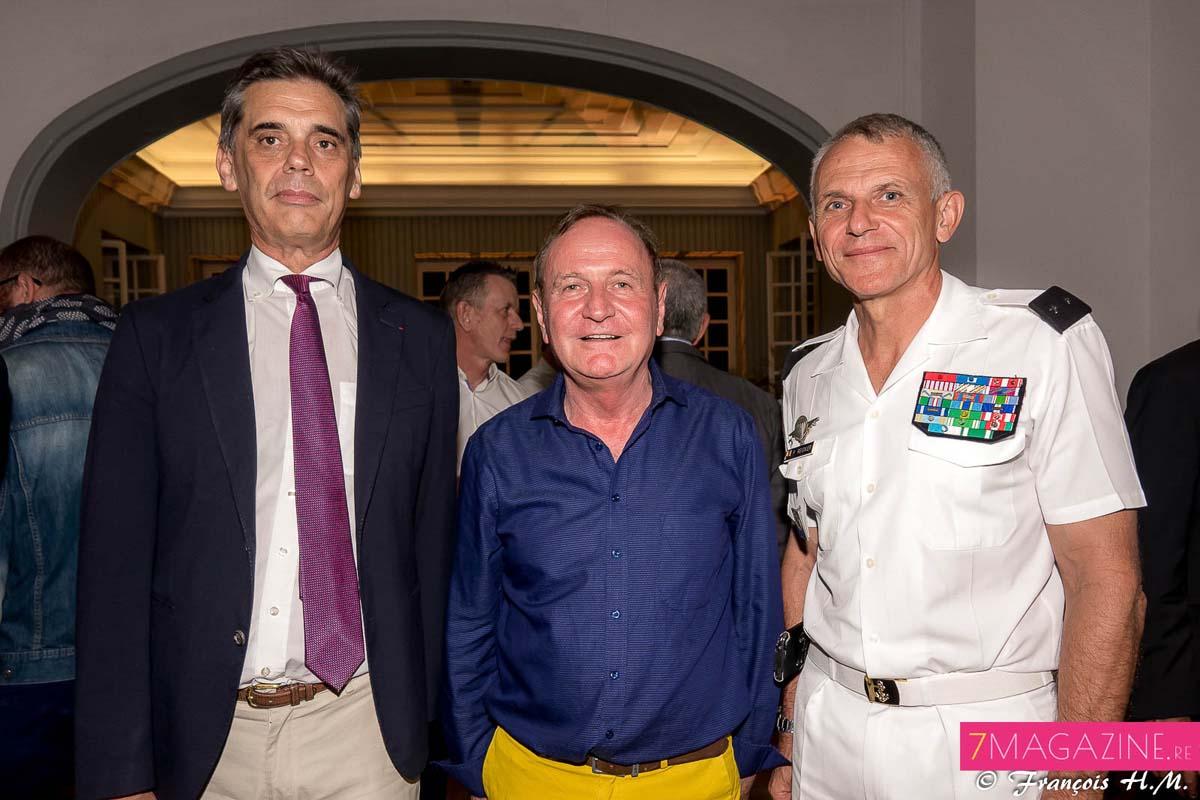 Dominique Sorain, Alain Orriols, président de SolarPlexus, et le général Frank Régnier, commandant des FAZSOI