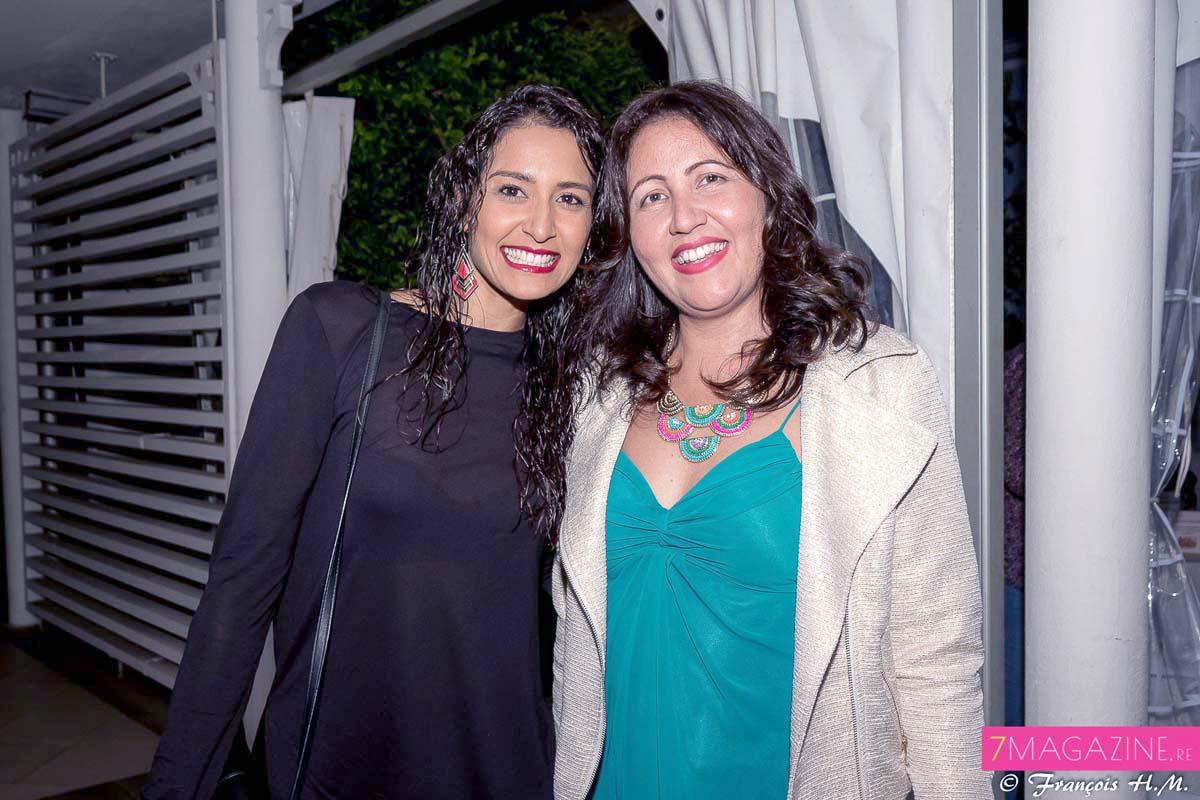 Raïssa Boyer, Miss Réunion 2006, et Cindy Lokhat, responsable réseau boutiques Engen