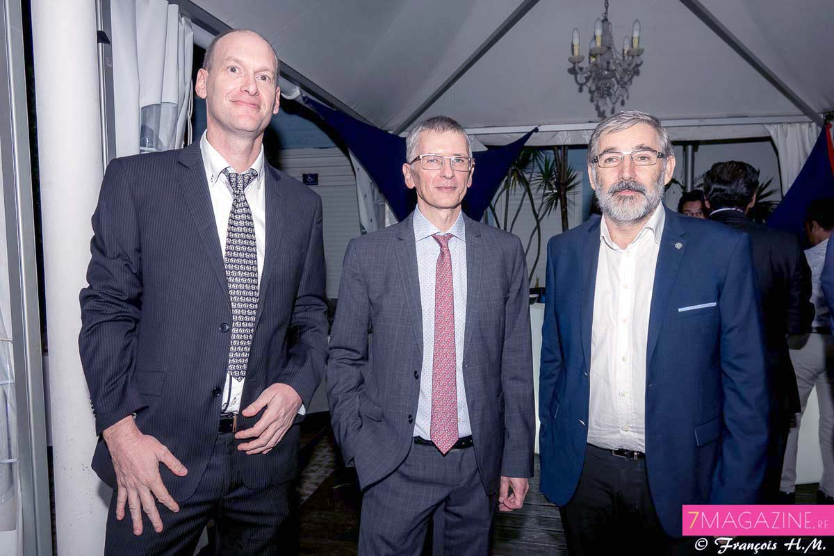 Arnaud Guérin, Responsable HSEQ Engen Réunion, Hervé Maziau, directeur général Engen Réunion, et Eric Wuillai, directeur général CBO Territoria
