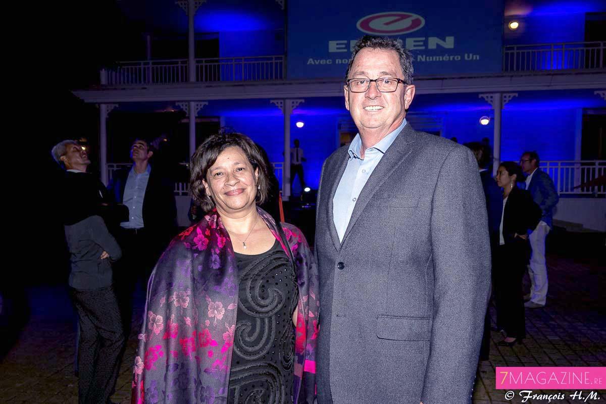 Sandra Terblanche, directrice du service stratégie et communication d'Engen Petroleum Limited, et Hendrik Van Der Walt directeur commercial Afrique de l'ouest et océan Indien Engen Petroleum Ltd